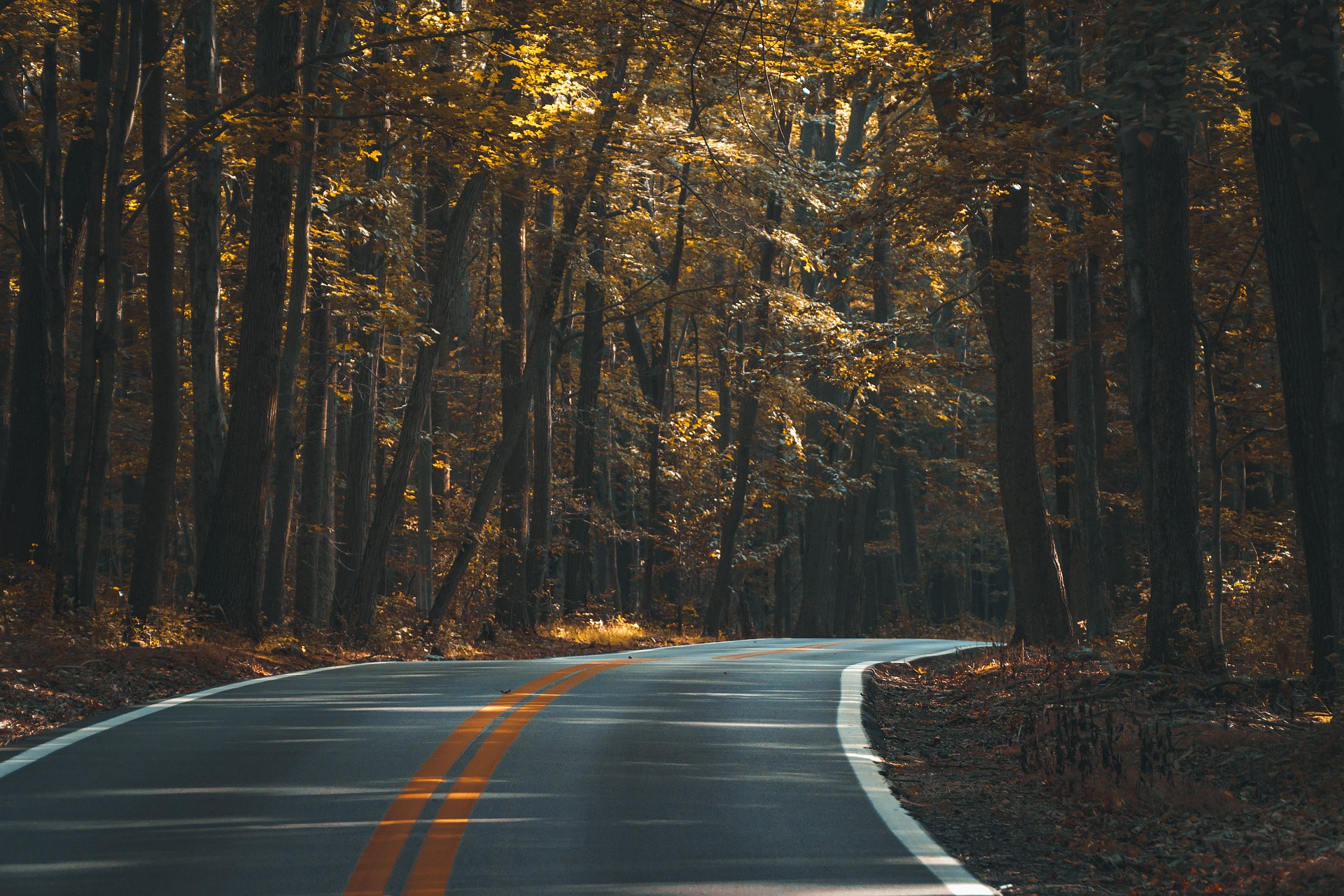 asphalt-1867667_1920