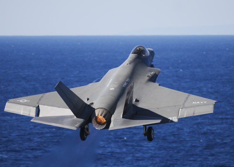 military-fighter-jet-805384