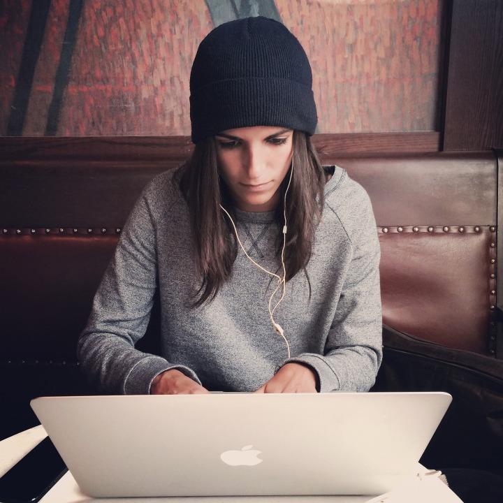 laptop-2561018_1920
