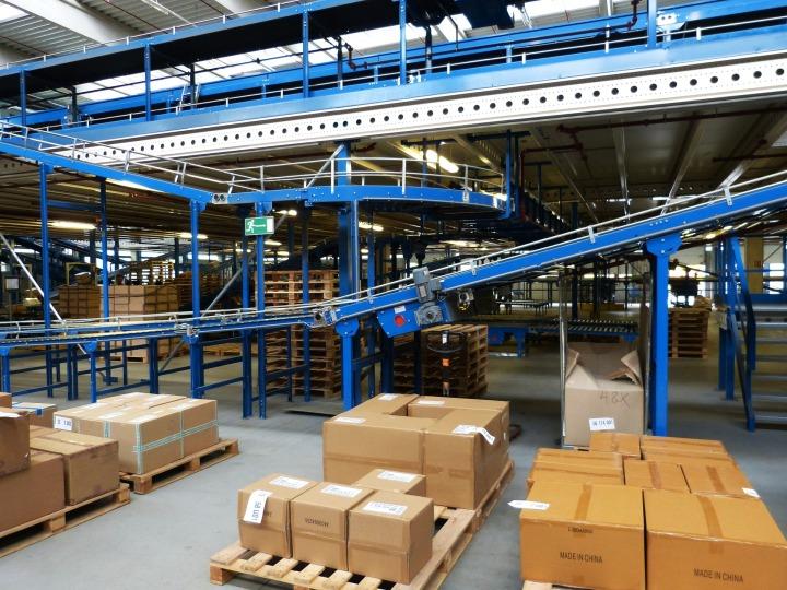 logistics-852939_1920