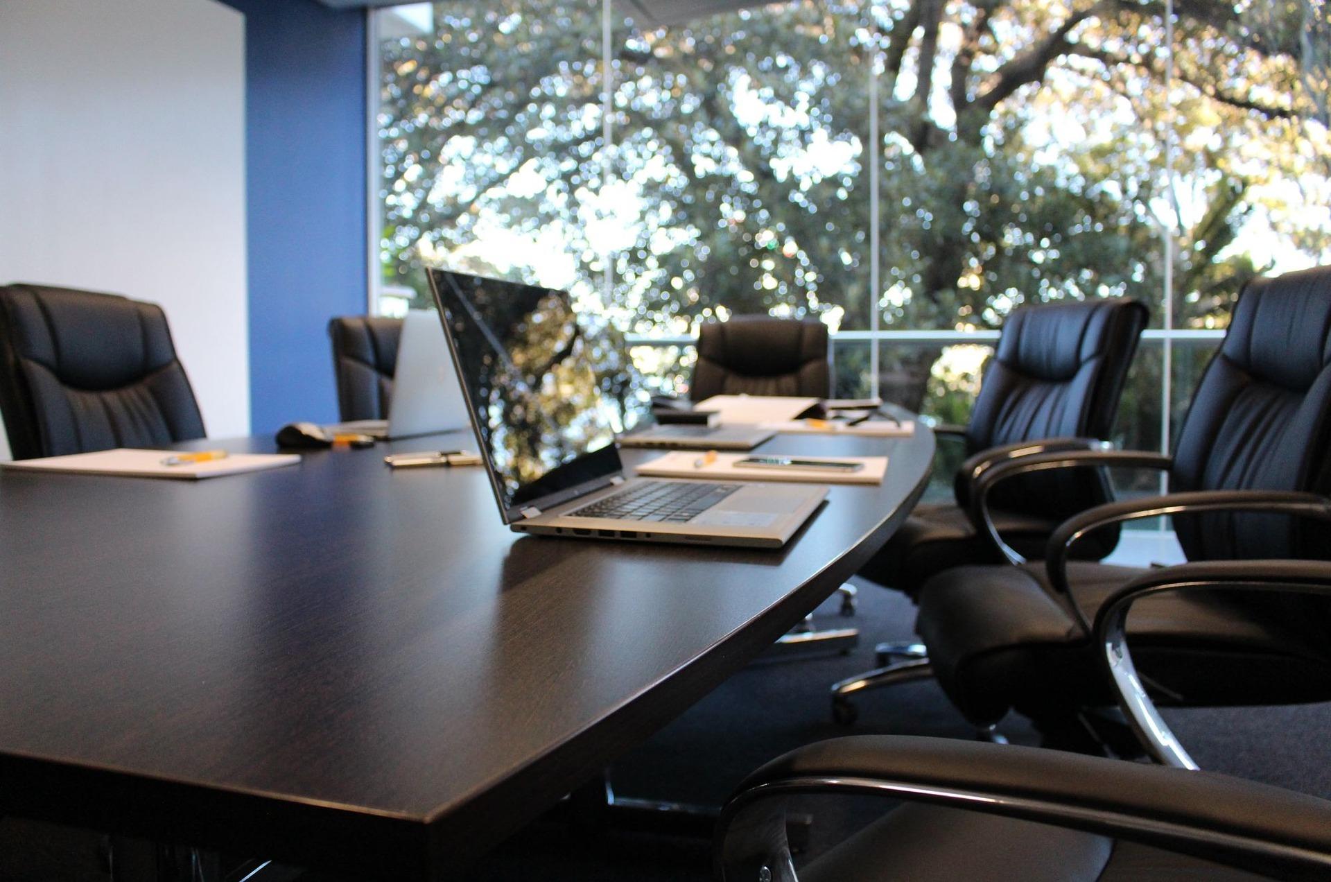 office-1516329_1920