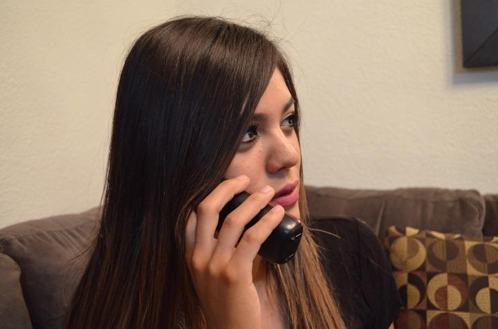 telephone-2817221_1920