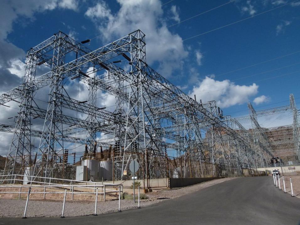 Power transmission goop. Lake Mead.