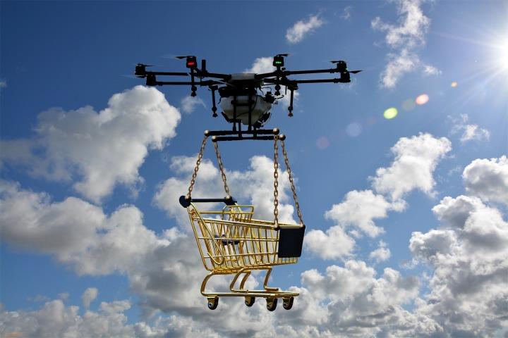drone-2816244_1920