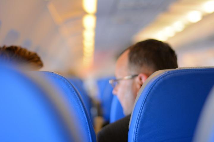 passengers-519011_1920