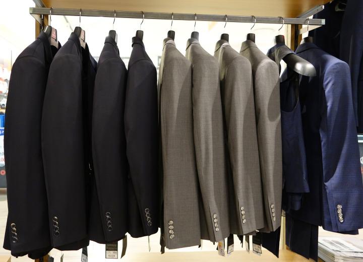 retail, suits