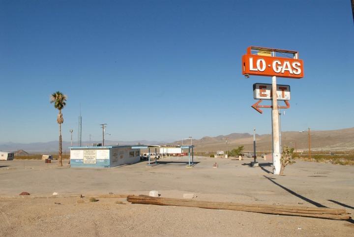 desert, gas, motor lodge