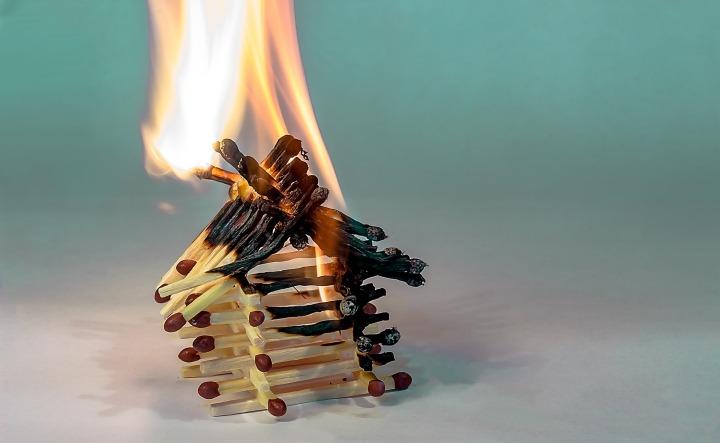 fire-2086388_1920