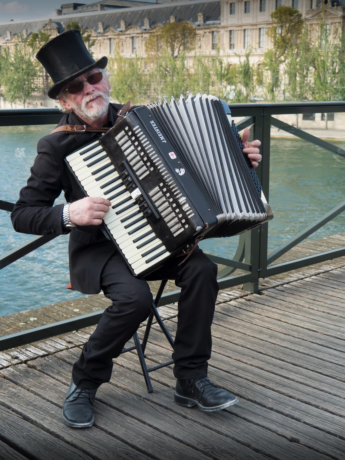 Paris, musician