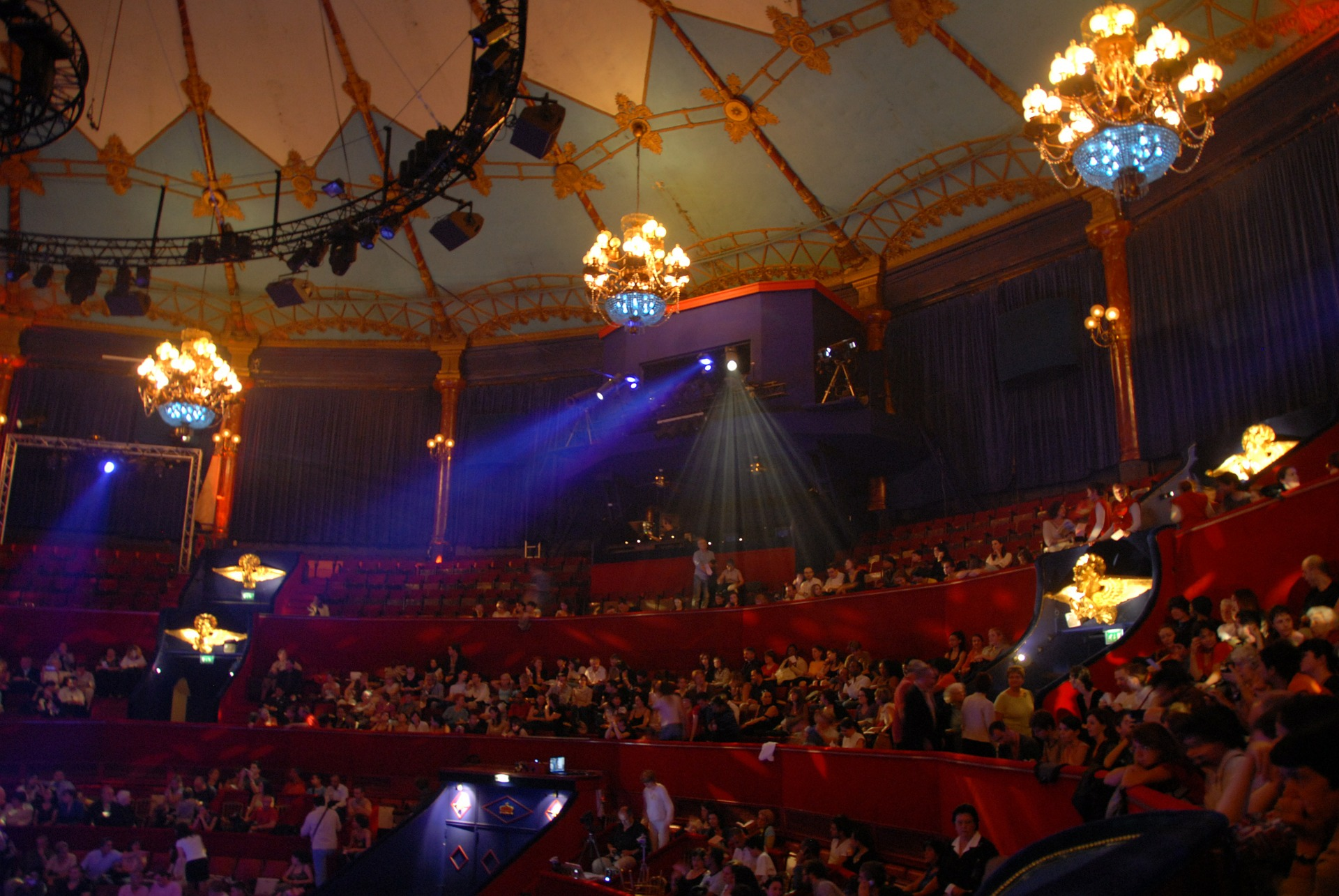 circus-456387_1920